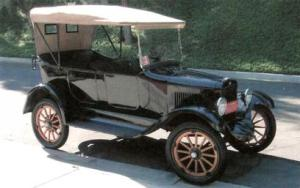 10820390-1920-willys-overland-model-four-touring-car[1]